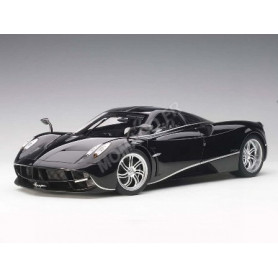 PAGANI HUAYRA 2011 NOIRE BANDES ARGENTE