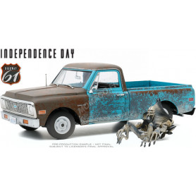 "CHEVROLET C-10 PICK-UP 1971 ""INDEPENDENCE DAY (1996)"" AVEC FIGURINE ALIEN"