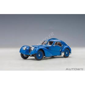 BUGATTI TYPE 57SC ATLANTIC 1938 BLEU AVEC ROUES À RAYONS