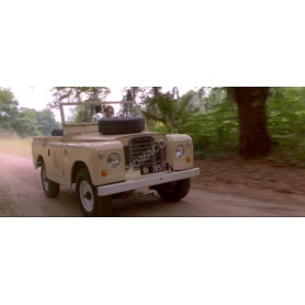 "LAND ROVER 88 SERIE IIA 1968 ""ACE VENTURA : WHEN NATURE CALLS (1995)"" SABLE"